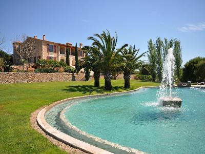 Impressive luxury manor close to Palma
