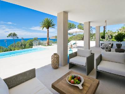 Modern luxury villa with sea views in Santa Ponsa